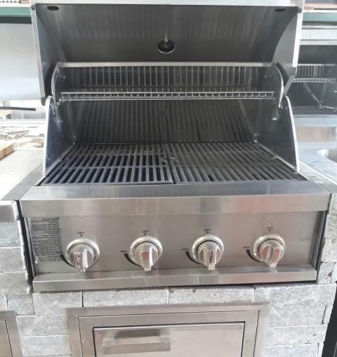 גריל גז נרוסטה 4 מבערים במידות 67.60 ס.מ למטבח חוץ במבצע רק ב2800 שח